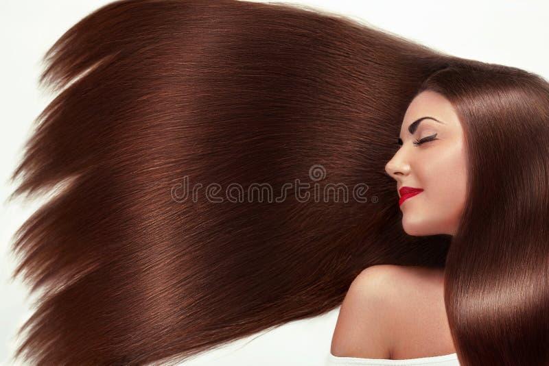 Mooi haar E Schoonheids modelmeisje met gezond bruin haar Mooi wijfje met stock foto