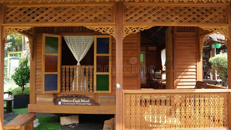 Mooi houten de ambachthuis van Maleisië stock fotografie