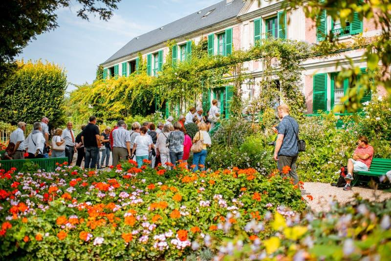 Mooi huis met tuin in Giverny, Frankrijk stock foto's