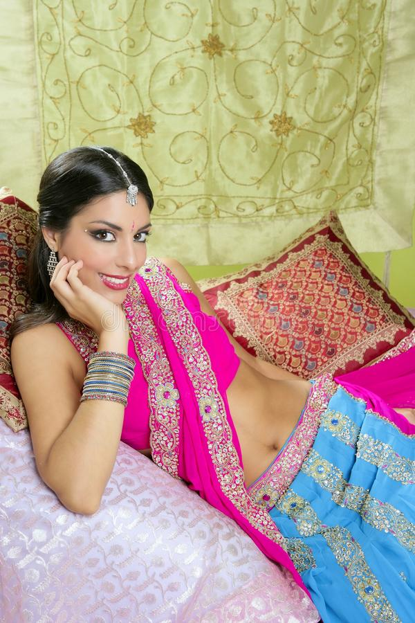 Mooi Indisch donkerbruin vrouwenportret stock foto