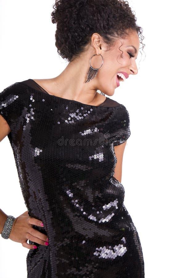 Mooi jong donkerbruin wijfje in zwarte kleding royalty-vrije stock afbeeldingen