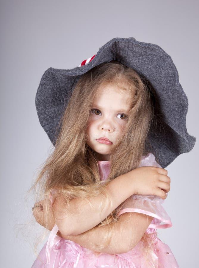 Mooi jong droevig meisje in GLB stock fotografie
