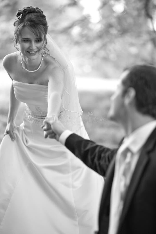 Mooi jong huwelijkspaar royalty-vrije stock foto's