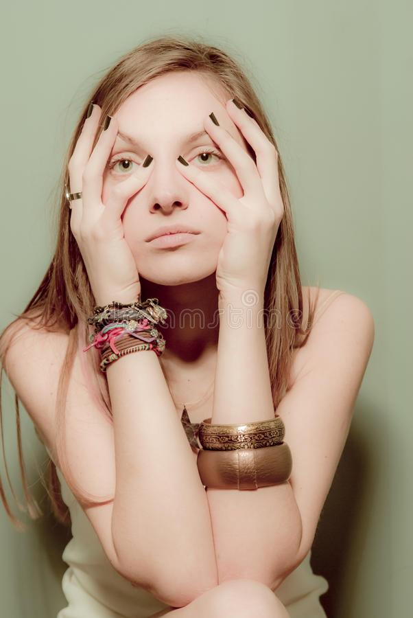 Mooi jong Kaukasisch meisjesportret royalty-vrije stock foto