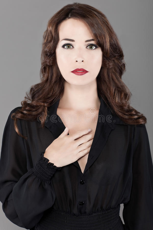 Mooi Kaukasisch sexy vrouwenportret stock afbeelding