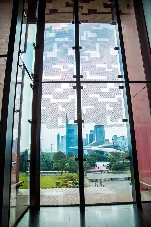 Mooi landschap buiten het venster van het provinciale museum van Guangdong stock afbeelding