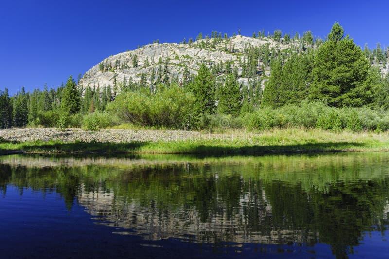 Mooi landschap in het Nationale Monument van Duivelspostpile stock afbeelding