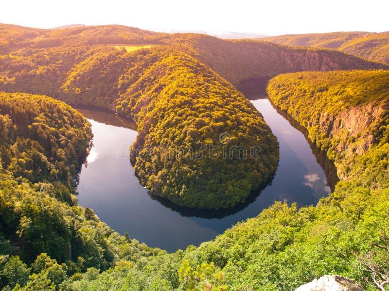 Mooi landschap met riviermeander royalty-vrije stock afbeelding