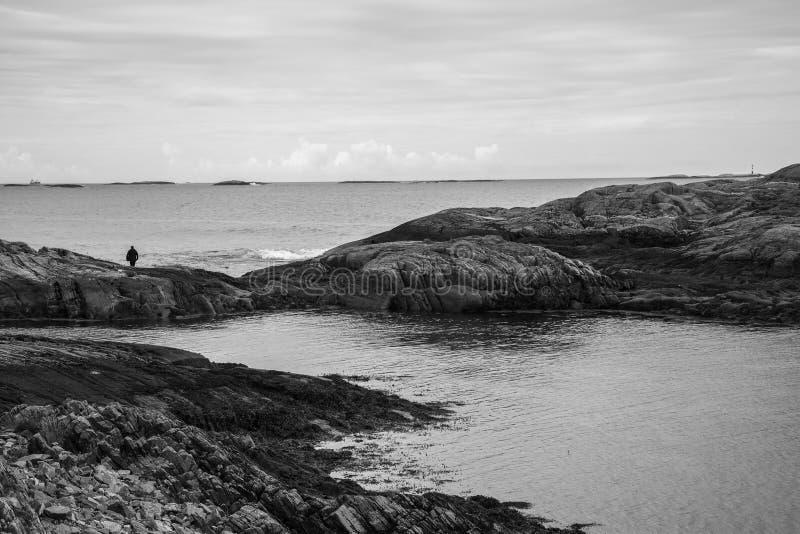 Mooi landschap op de kust van beroemd Road van de Atlantische Oceaan royalty-vrije stock foto's