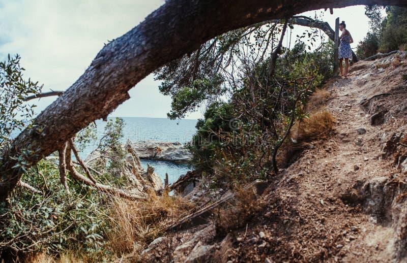 Mooi landschap in Spanje De zomer Reis Vrouw stock afbeeldingen