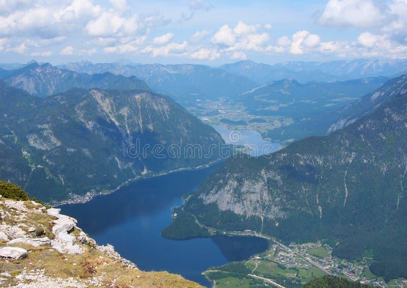Mooi landschap van bergen en meer op zomer in Austr stock foto