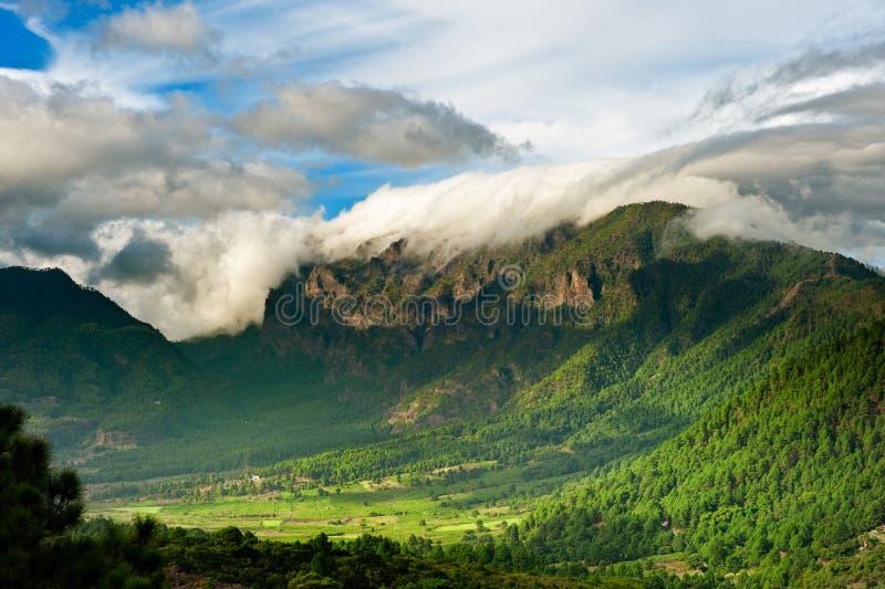 Mooi landschap van de bergen in La Palma stock afbeeldingen