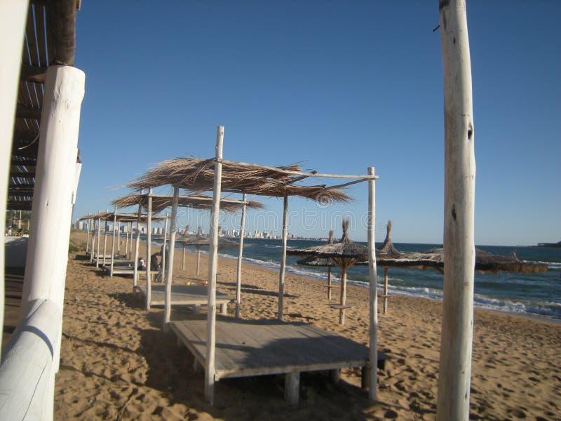 Mooi landschap van het strand in de zomer stock foto