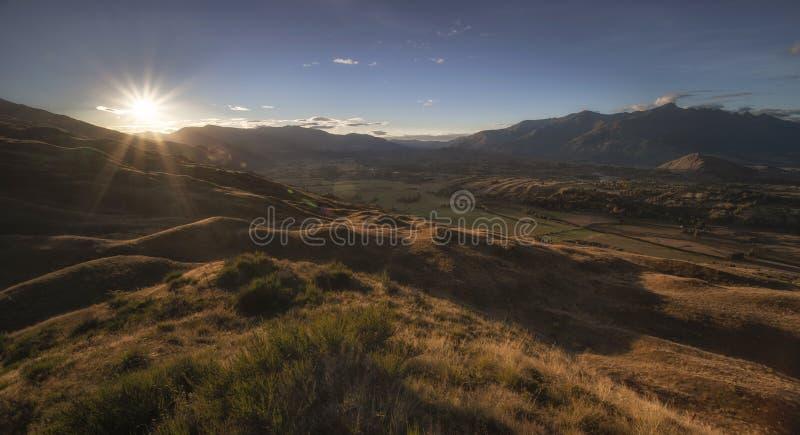 Mooi landschap van Kroon Piekqueenstown stock afbeeldingen