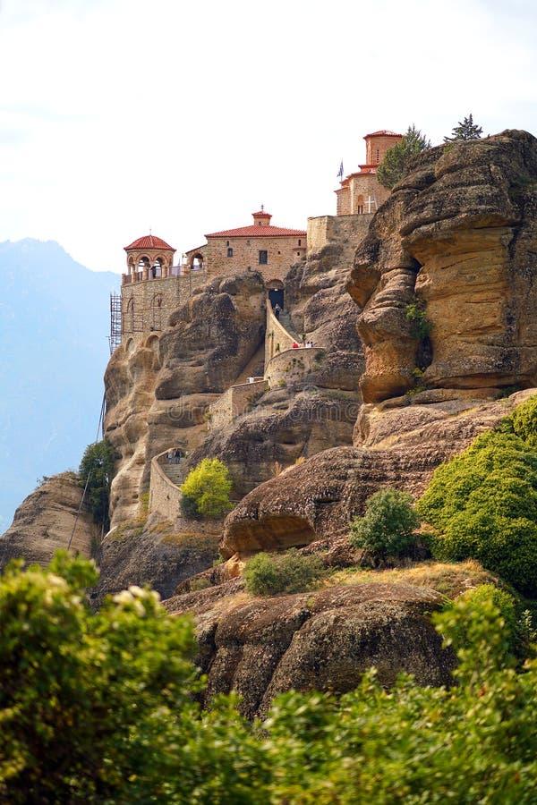 Mooi landschap van Meteora, Griekenland met zijn kloosters, zijn bergen en zijn aard royalty-vrije stock afbeelding