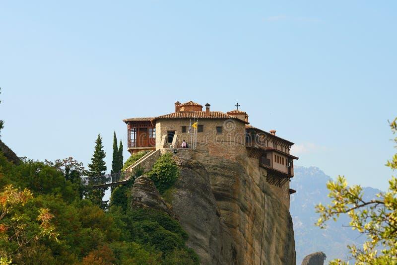 Mooi landschap van Meteora, Griekenland met zijn kloosters, zijn bergen en zijn aard stock fotografie