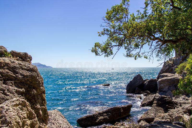 Mooi landschap, Zuidelijke kust van de Krim, Nieuwe Wereld royalty-vrije stock afbeelding