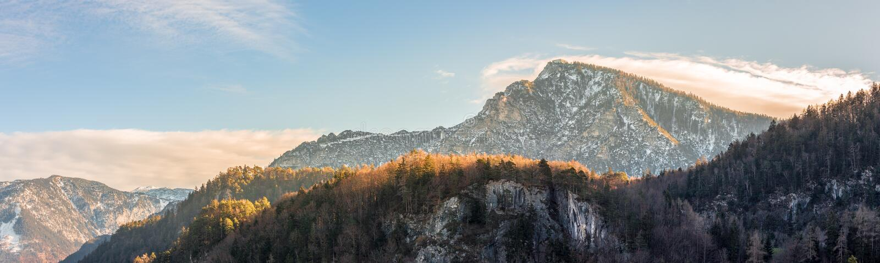 Mooi landschapspanorama in de bergen, daling stock fotografie