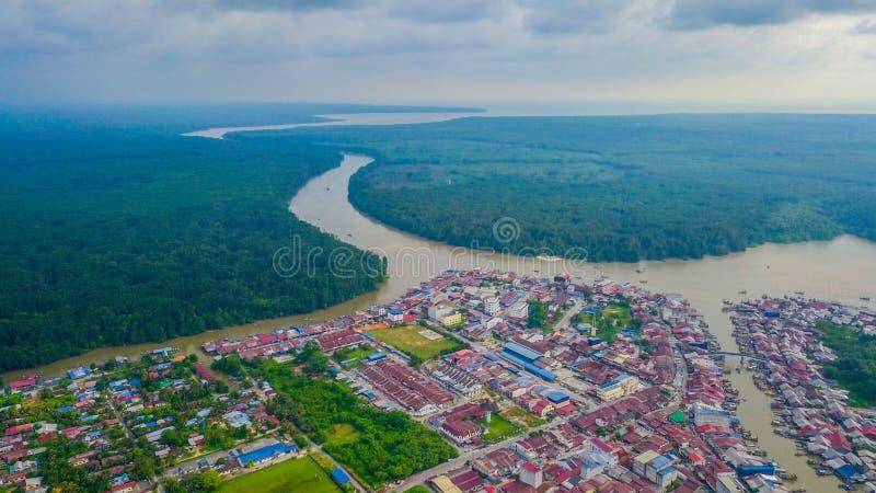 Mooi landschapssatellietbeeld van het vissersdorp royalty-vrije stock afbeeldingen