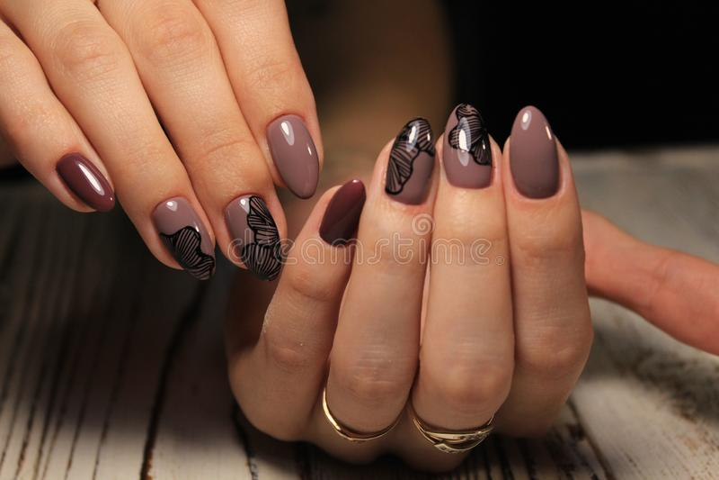 Mooi manicureontwerp stock afbeelding