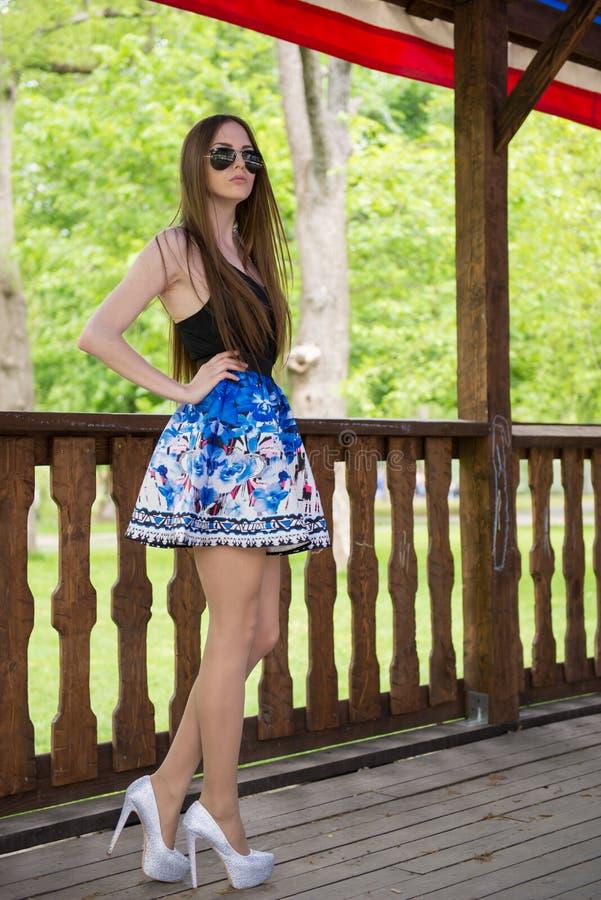 Download Mooi meisje stock foto. Afbeelding bestaande uit camera - 54075342