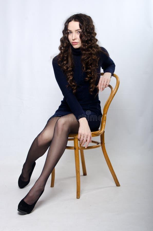 Mooi meisje in de studio royalty-vrije stock foto