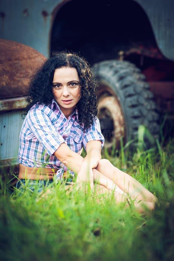 Mooi meisje en de plattelander royalty-vrije stock foto's