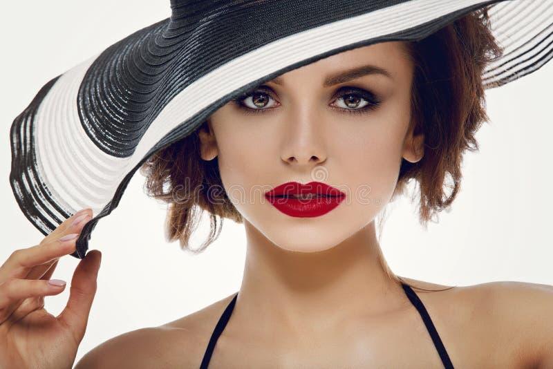 Mooi meisje in hoed royalty-vrije stock fotografie