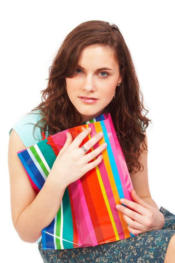 Mooi meisje met het winkelen zak stock fotografie