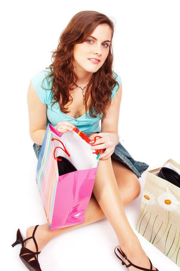 Mooi meisje met het winkelen zakken royalty-vrije stock fotografie