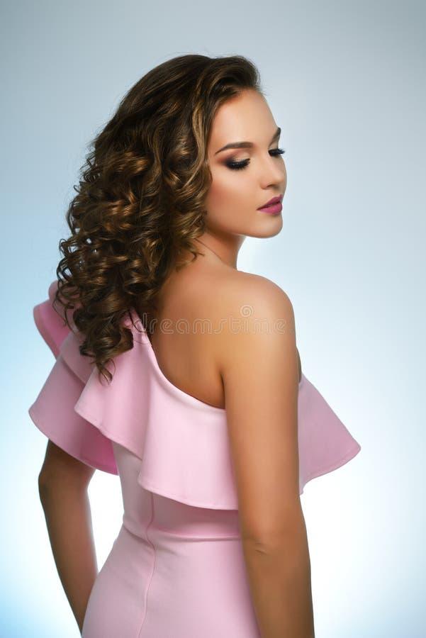 Mooi meisje met manier heldere make-up royalty-vrije stock foto's