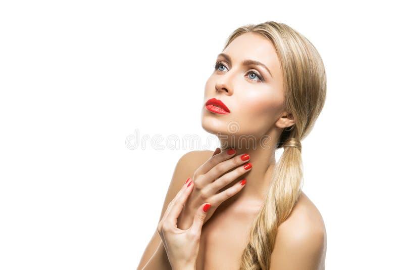 Mooi meisje met rode lippen royalty-vrije stock afbeeldingen