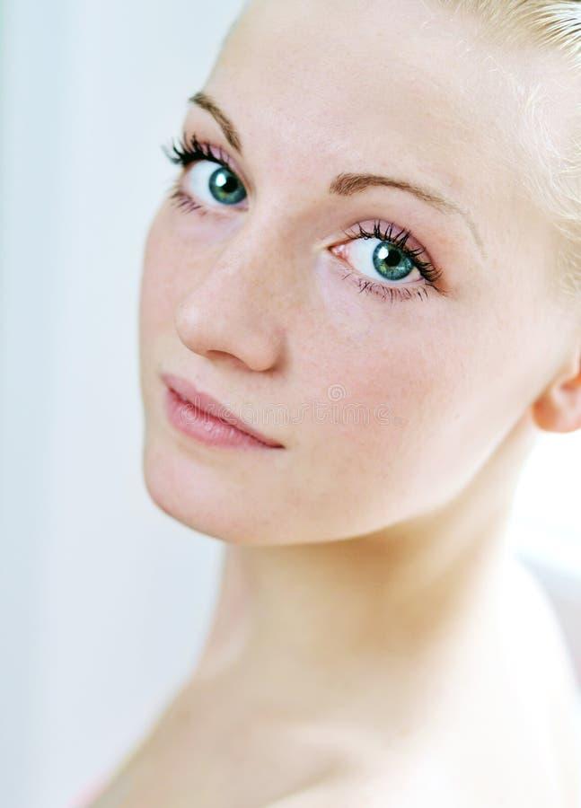Mooi meisje met schone huid royalty-vrije stock fotografie