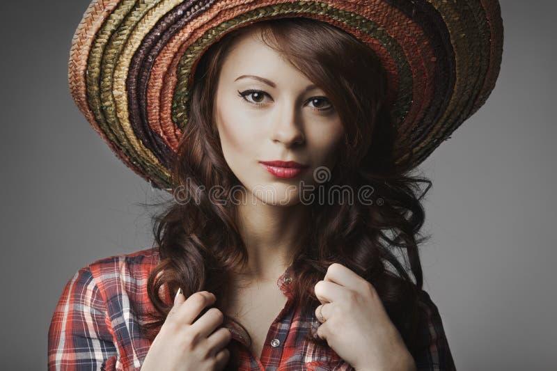 Mooi meisje met sombreroportret stock afbeelding