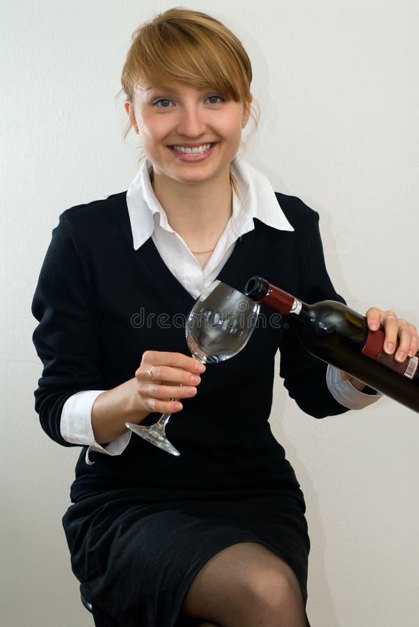 Mooi meisje met wijn royalty-vrije stock afbeeldingen