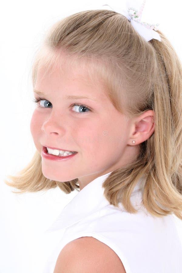 Mooi Meisje in Wit over Wit royalty-vrije stock foto's