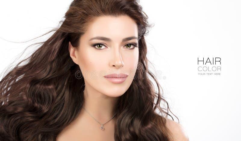 Mooi modelmeisje met lang golvend gezond haar royalty-vrije stock foto's