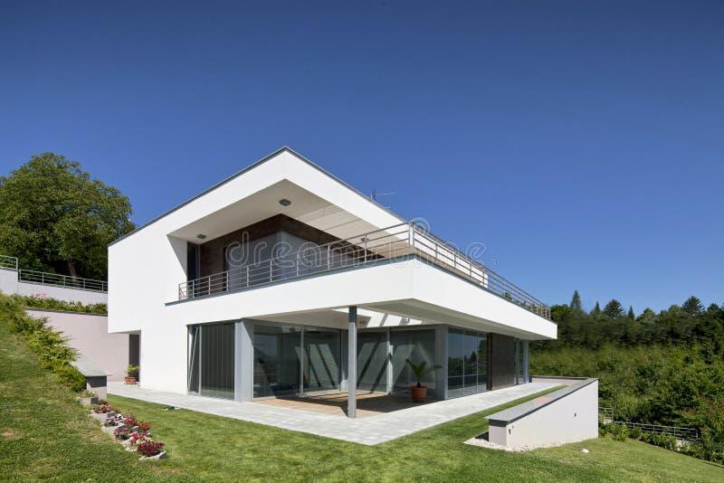 Mooi modern huis royalty-vrije stock foto's