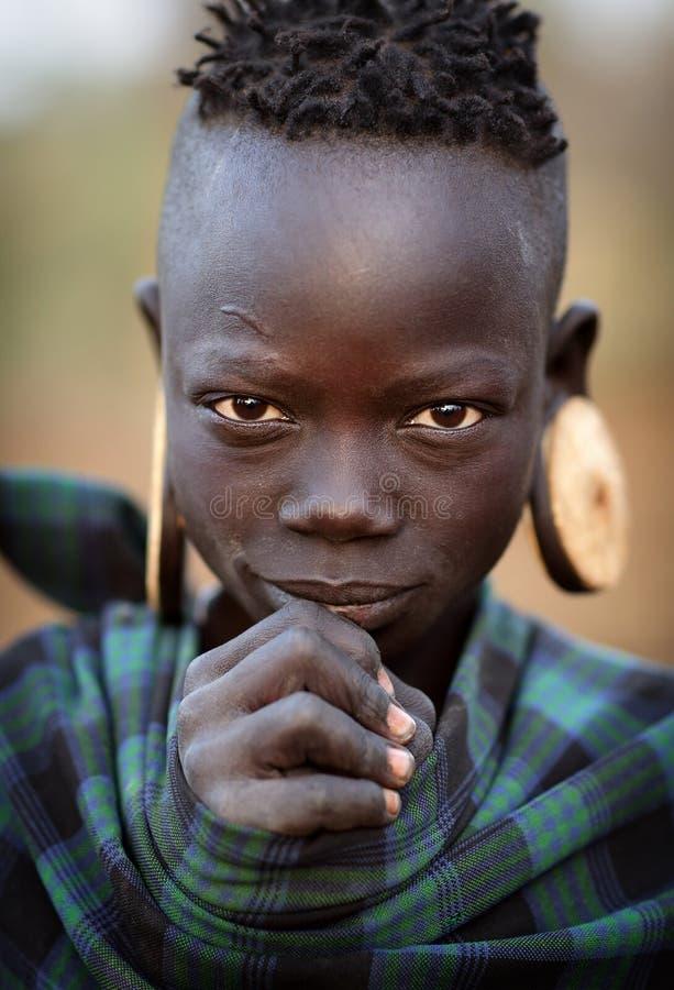 Mooi Mursi-meisje in Zuiden Omo, Ethiopië stock afbeeldingen