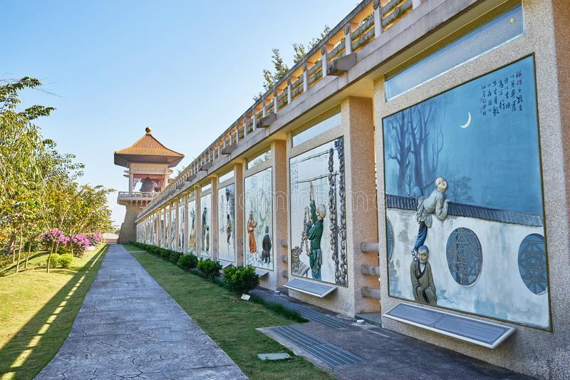 Mooi muurschilderij van Monniksbeeldverhaal rond het centrum van FO Guang Shan Buddha Memorial stock fotografie