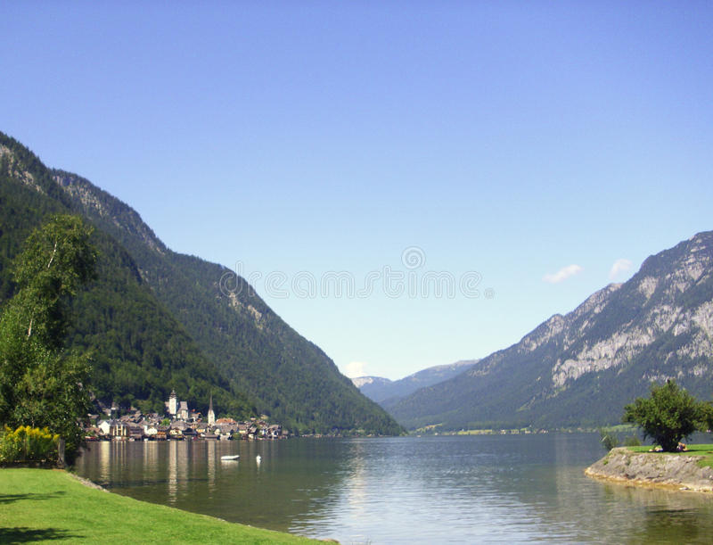 Mooi Oostenrijks meer stock afbeelding
