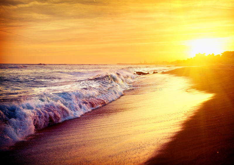 Mooi Overzees Zonsondergangstrand stock afbeeldingen
