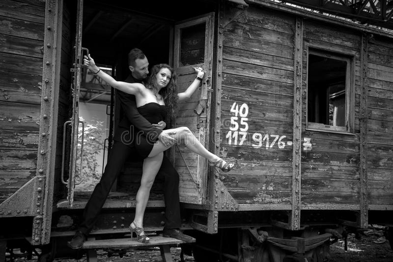 Mooi paar van het professionele kunstenaars dansen royalty-vrije stock fotografie