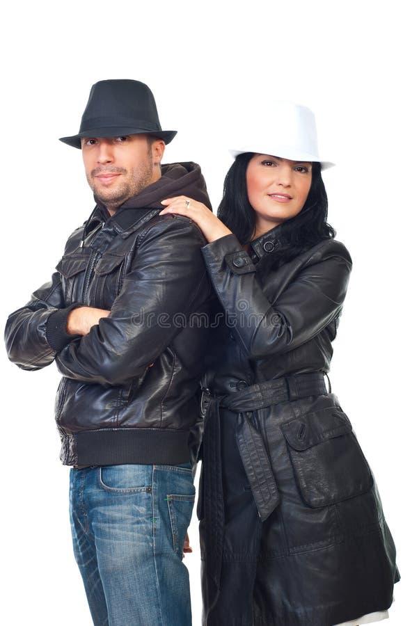 Mooi paar van modellen in leerjasjes royalty-vrije stock foto's
