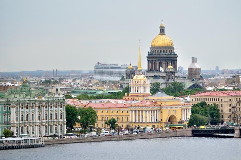 Mooi panorama van centrum van St. Petersburg - panoramisch gezicht royalty-vrije stock afbeelding