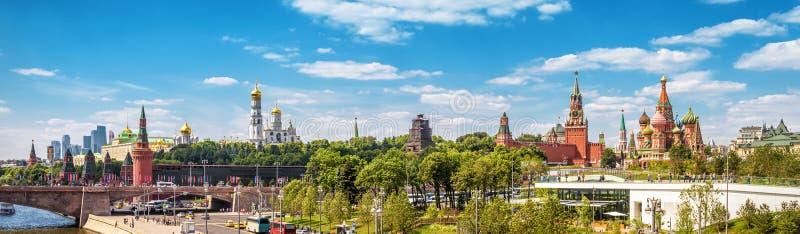 Mooi panorama van Moskou het Kremlin, Rusland stock foto's