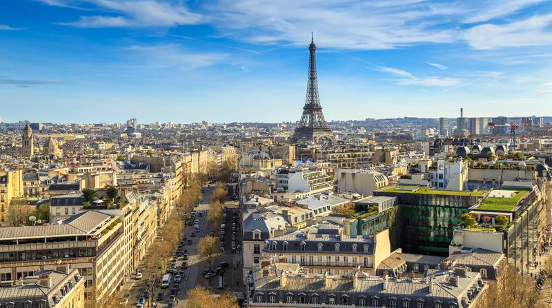 Mooi panorama van Parijs van het dak van de Triomfantelijke Boog Champs Elysees en de Toren van Eiffel stock afbeeldingen