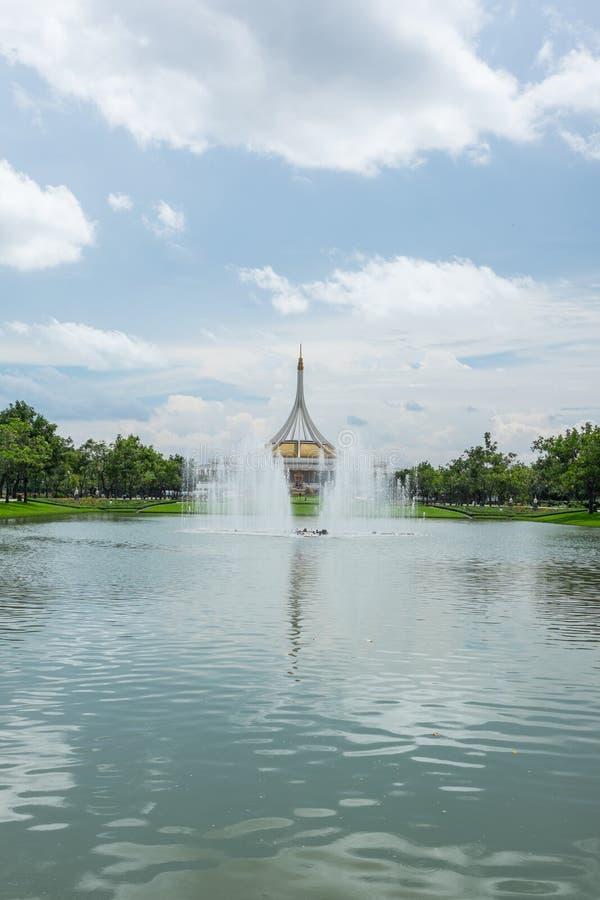Mooi paviljoen in het park royalty-vrije stock afbeeldingen
