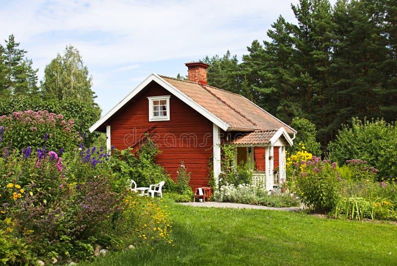 Mooi plattelandshuisje. stock fotografie