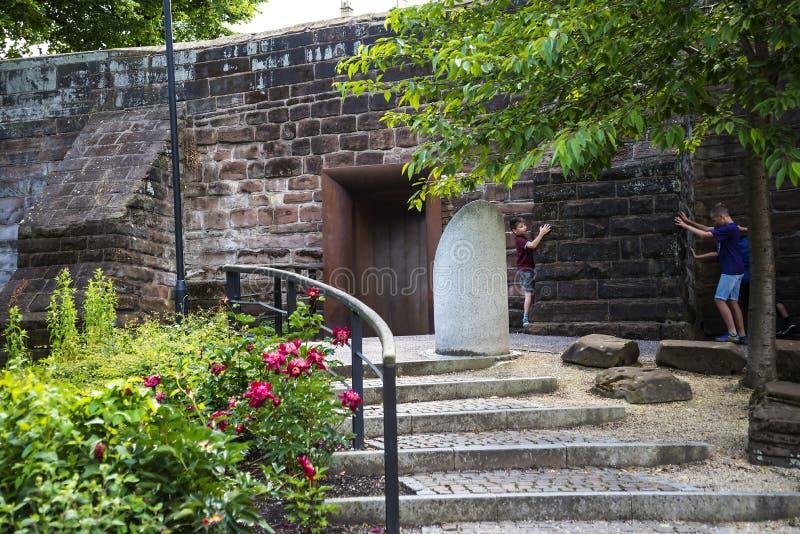 Mooi Roman Garden in Chester de stad van de provincie van Cheshire in Engeland stock fotografie